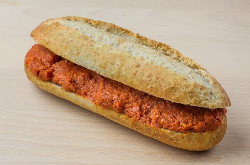 Belegd broodje met filet amercian